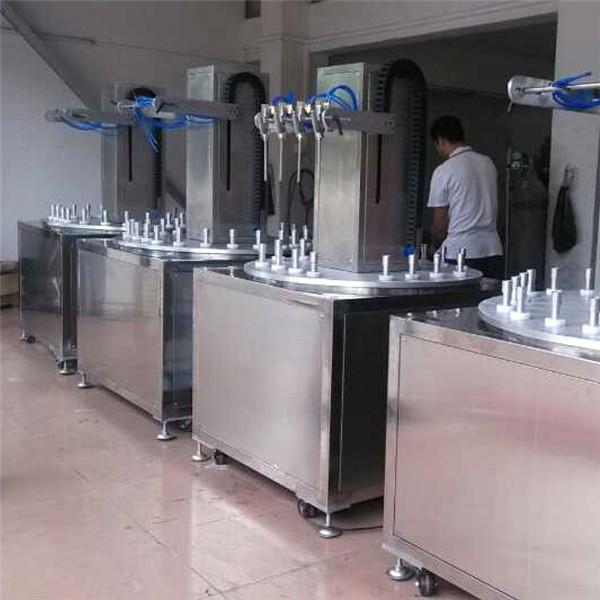 Glass bottle inner painting machine